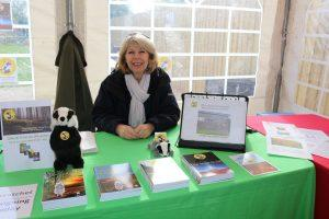 SWWR - Sue signing at event